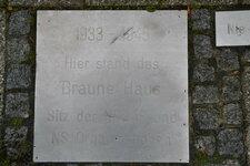 herten+gedenktafel-braunes-haus+bild01.jpg