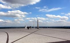 herten+sonnenuhr-mit-obelisk+bild01.jpg
